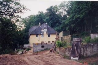 Das Haus während der Sanierungsarbeiten im Jahr 2000